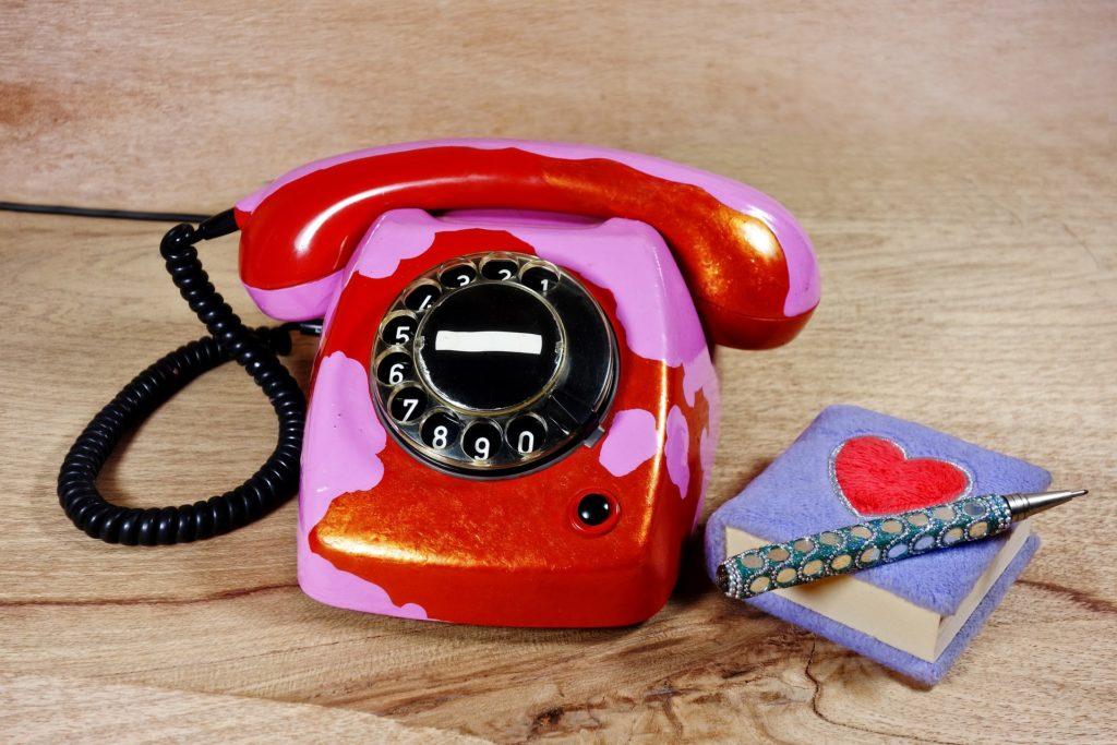 電話やメールでの勧誘営業