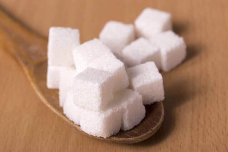 野菜ジュースは砂糖や添加物を多く含んでおり体に悪い
